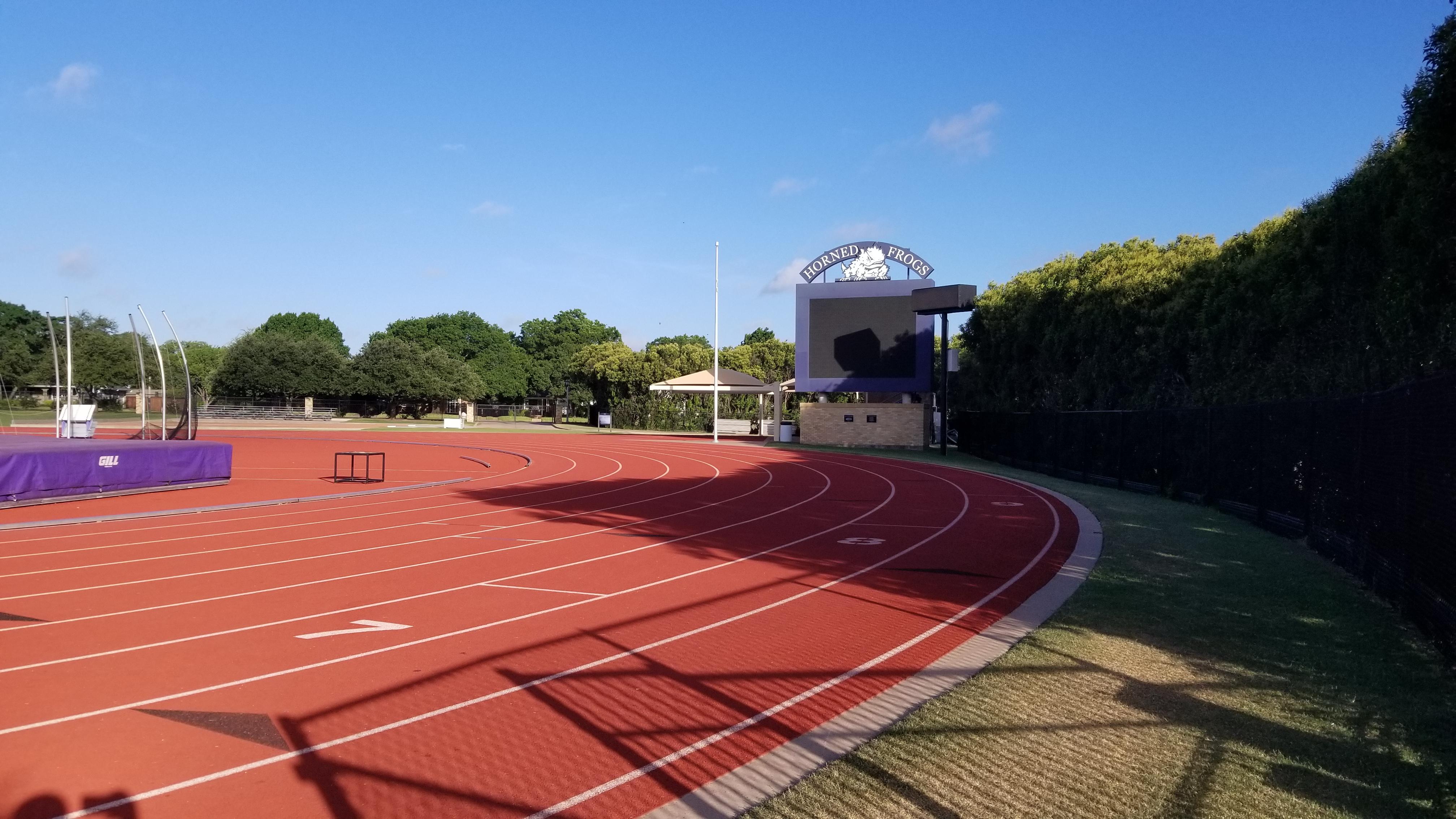 09 - track